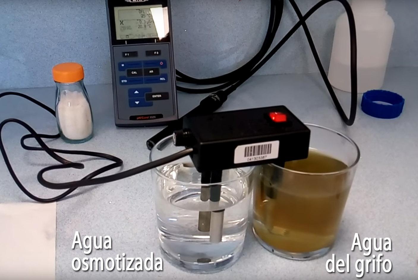 """274ee71f4e535 Captura del vídeo """"Desmontando el engaño sobre lo mala que es el agua del  grifo"""""""